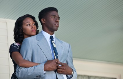 Nicole Beharie and Chadwick Boseman as Rachel and Jackie Robinson in 42