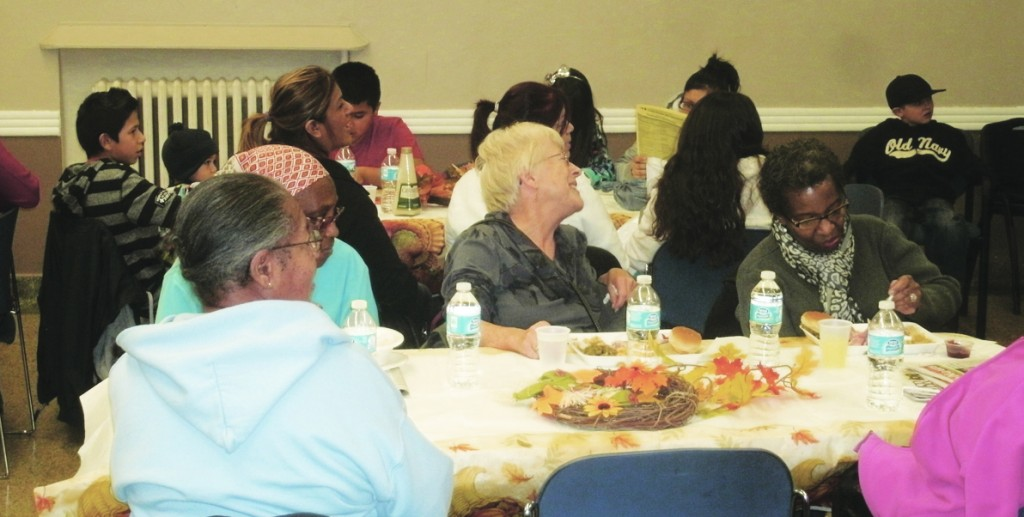 Attendees of the 2014 Oak Park Center  Thanksgiving dinner on Friday, November 22.  Photo courtesy of Oak Park Center
