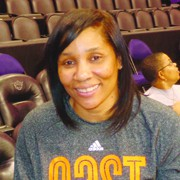 Atlanta Assistant Coach Karleen Thompson Photo by Charles Hallman