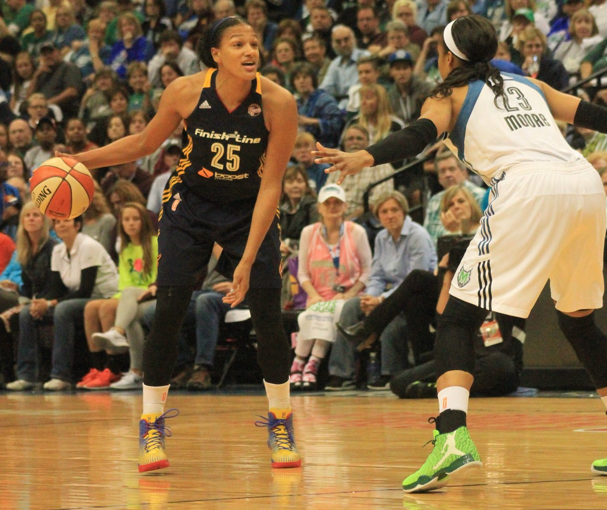 Lynx guard Maya Moore (23) covers Fever guard Marissa Coleman  (25).