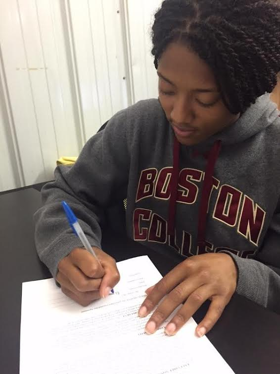 Blake Bolden signs as a free agent with the NWHL
