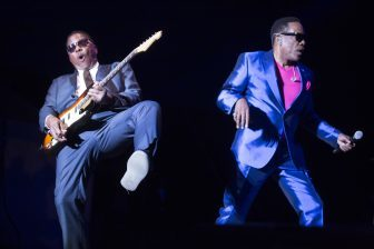 PHOTOS | Charlie Wilson thrills with energetic and stirring show at MN State Fair