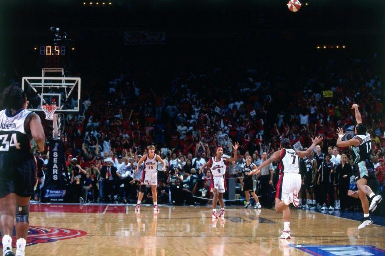 Teresa Weatherspoon's iconic game-winning shot