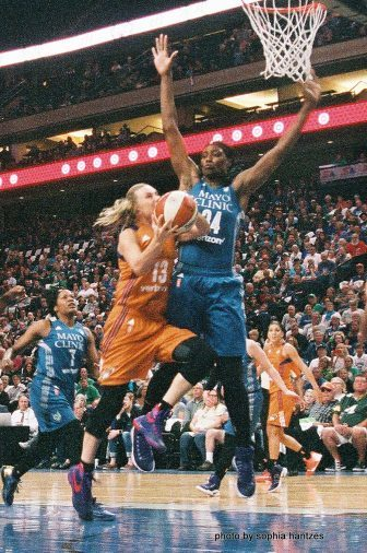 Sylvia Fowles in action