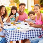 Eat healthily and feel great when you dine out