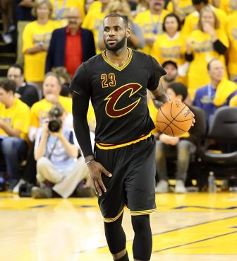 Warriors, Cavaliers make NBA history