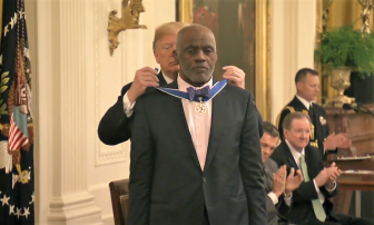 Alan Page awarded the Presidential Medal of Freedom (video)