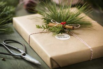 12 ways to green up your holiday season