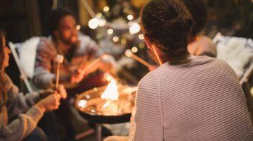 Be a good neighbor when having a backyard recreational fire